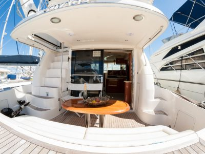 Panama-party-boat-rentals-sea-ray-52-1
