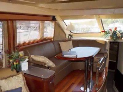 Panama-party-boat-rentals-sea-ray-52-4