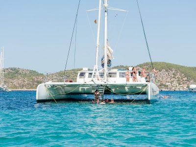 panama-bachelor-party-maxi-cat-catamaran-02