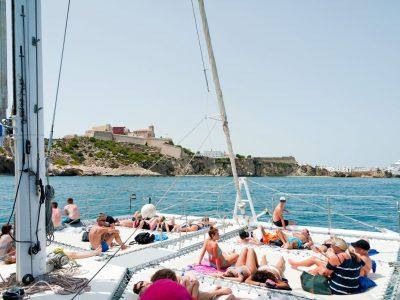 panama-bachelor-party-maxi-cat-catamaran-03
